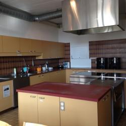 Saal und Küche